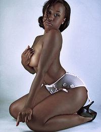 free porn mature ebony pics